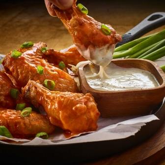 Buffalo-Wings-Ranch-Dressing-dip-4-2